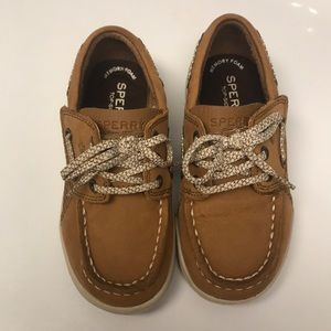 Boys Sperry Velcro boat shoes size 9.5